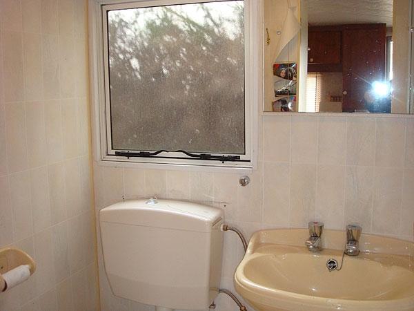 795 waterkraan warm en koud voor de badkamer for Badkamer onderdelen